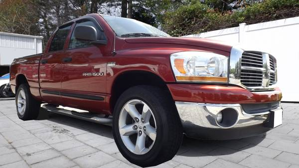 2006 DODGE RAM 1500 SLT QUAD CAB 4x4 BURGUNDY