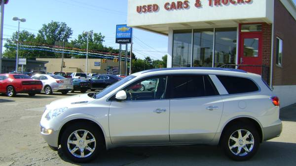 2010 Buick Enclave CXL (only 34,000 miles)