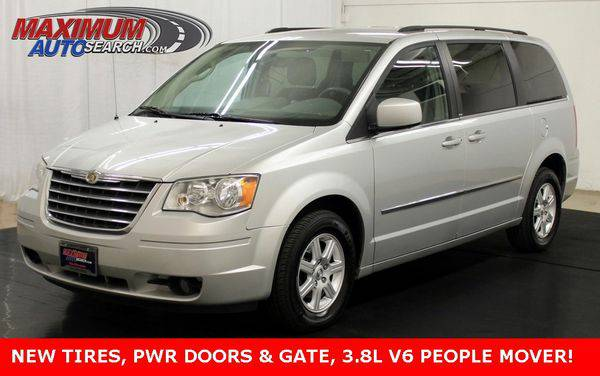 2010 *Chrysler* *Town* *&* *Country* Touring