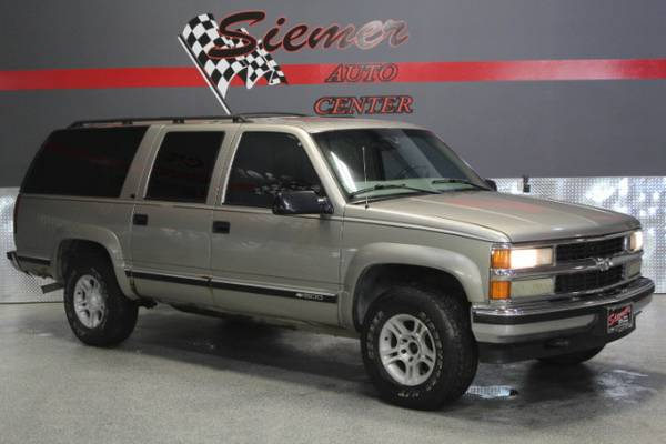 1999 Chevrolet Suburban*HUGE BACK TO SCHOOL BLOW OUT!