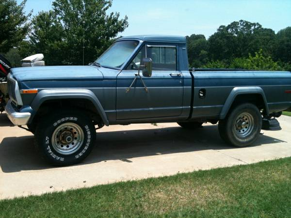 JEEP J-10 *1983 MODEL*V-8 ENGINE*STARTS/RUNS*NO RUST*COLLECTOR EDITION