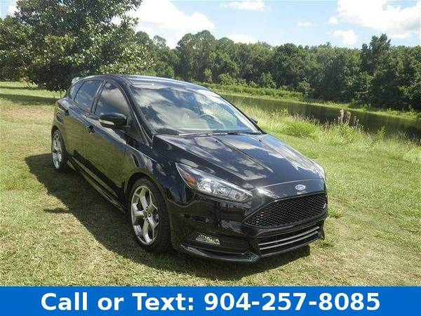 2016 Ford Focus Base Hatchback Focus Ford