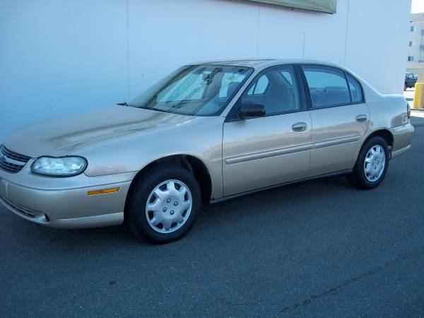 Chevrolet 2004 Malibu Classic (167K miles) runs very good, clean title