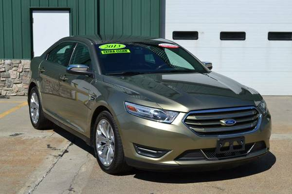 2013 Ford Taurus Limited Sedan *CERTIFIED CARFAX AVAILABLE*