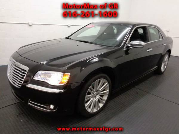2013 CHRYSLER 300*LEATHER HEATED SEATS*POWER SHADE*HEMI*REAR CAMERA*