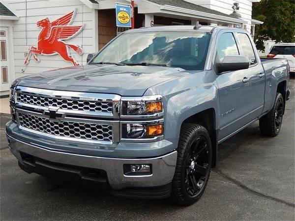 2015 *Chevrolet* *Silverado* *1500* LT