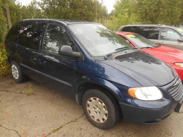 04 CHRYSLER TOWN AND COUNTRY