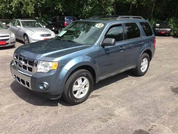 2012 Ford Escape XLT MOONROOF CLEAN!!