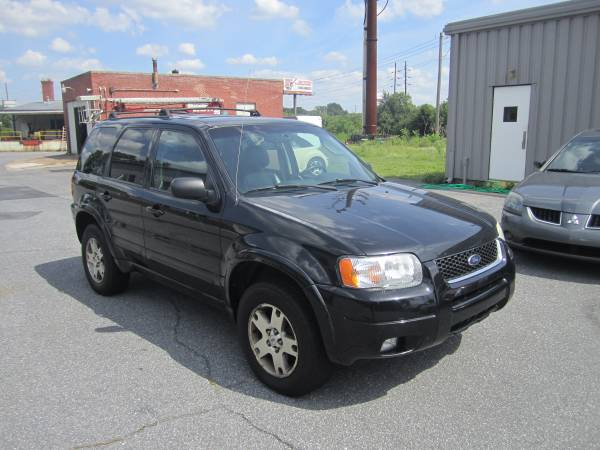 2003 Ford Escape Limited. AWD. Extremely Clean