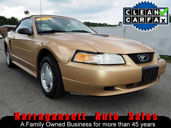 2000 Ford Mustang Convertible V-6 Auto Air Full Power CD Super Clean