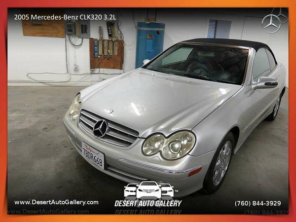 This 2005 Mercedes-Benz CLK320 3.2L Convertible is VERY CLEAN!
