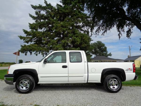 2004 Chevy Silverado K1500 LS 4WD - Ext Cab - White - 119k - ONE-OWNER