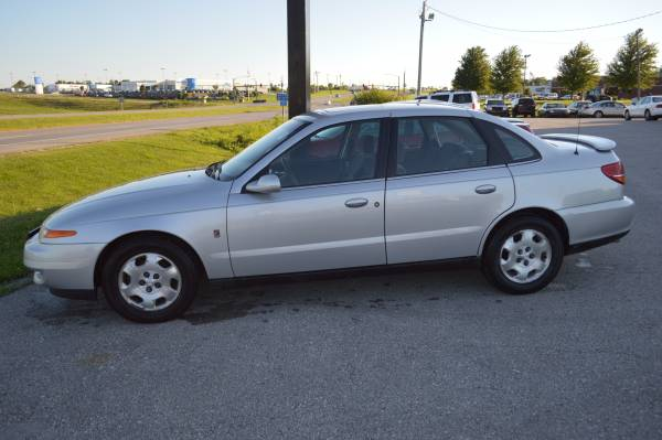 2002 Saturn L300 COMFORTABLE RIDE, GREAT ON GAS!