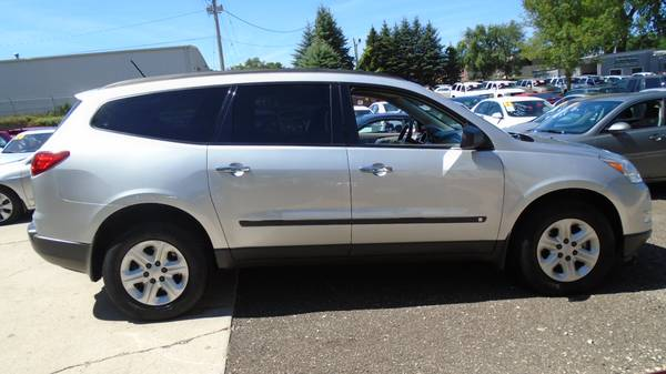 09 Chevrolet Traverse 106K Miles 3rd Row Seat Excellent $9999.00
