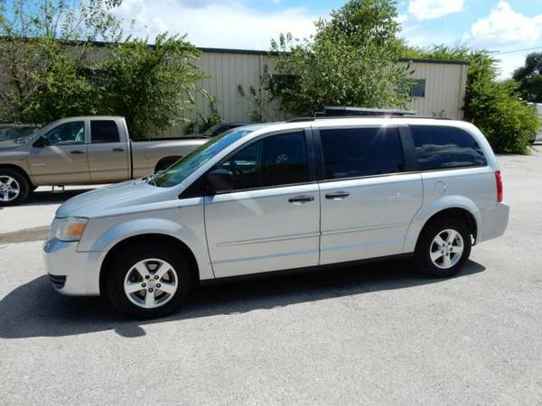 2008 Dodge Grand Caravan Clean Carfax Runs and Looks Good