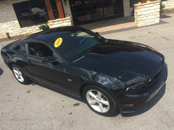 2010 Ford Mustang GT 33K MILES! 5 SPEED Manual Transmission!