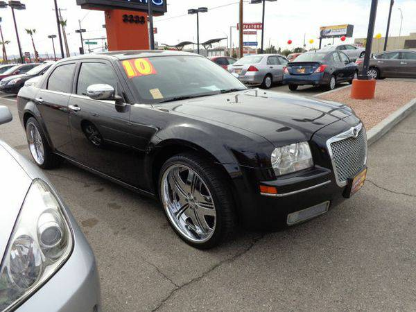 2010 *Chrysler* *300* 4dr Sedan Touring RWD -📲$995 DOWN...