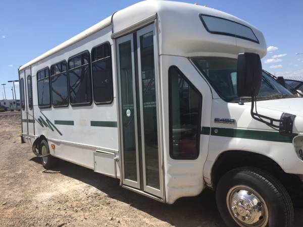 Shuttle Bus Starcraft Buswest 6.0 Ford Diesel needs motor installed