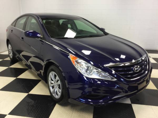 2012 HYUNDAI SONATA GLS - SUPER SPORTY! ONLY 50,000 MILES! GREAT MPG!