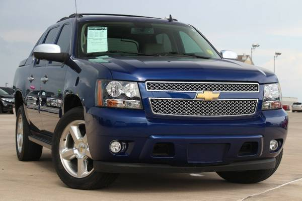 2013 CHEVROLET AVALANCHE LT!! LOOKS BRAND NEW! ONLY $435 PER MONTH!!