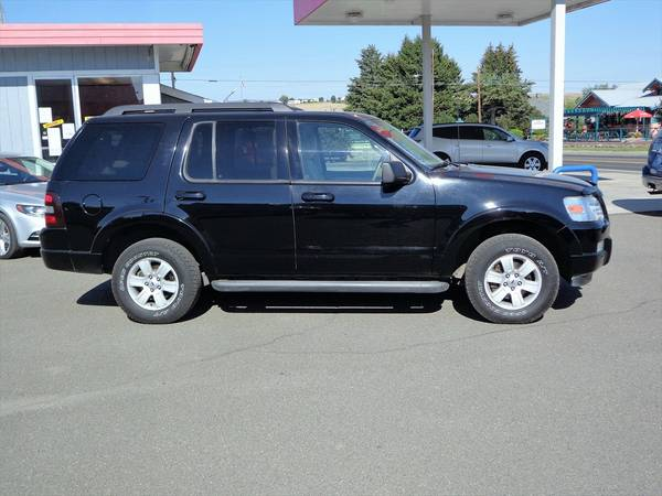 2010 Ford Explorer XLT 4WD 3rd Row
