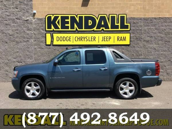 2008 Chevrolet Avalanche Blue Granite Metallic Awesome value!