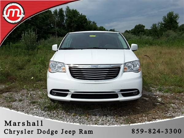 2015 Chrysler Town and Country 4D Passenger Van Touring