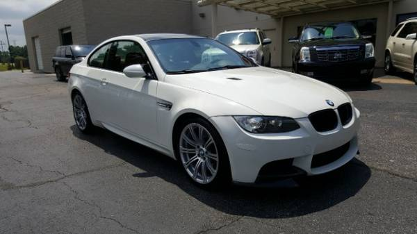 2010 BMW M3 Coupe 6 Speed Manual 420 Horsepower Carbon Fiber Roof