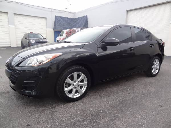 2010 Mazda MAZDA3 iTOURING CLEAN TITLE LOW MILES 2 OWNERS MUST SEE!!!!