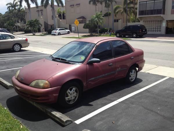 1998 Chevrolet Metro 4D