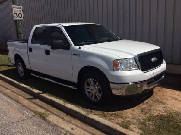 2006 Ford F-150 XLT SuperCrew 6.5-ft Box 2WD White Gray Cloth
