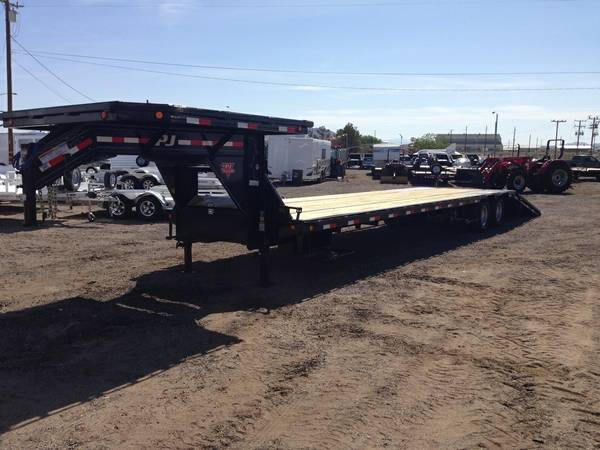 Gooseneck Low-Profile with Hydraulic Dovetail, PJ Trailers LY402