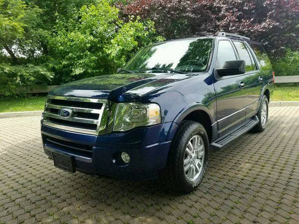 2011 *Ford* *Expedition* XLT 4x4 4dr SUV - CALL / TEXT 📱...