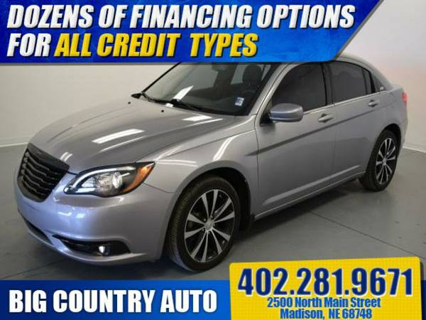 2013 Chrysler 200 4dr Sdn Touring 4dr Car 4dr Sdn