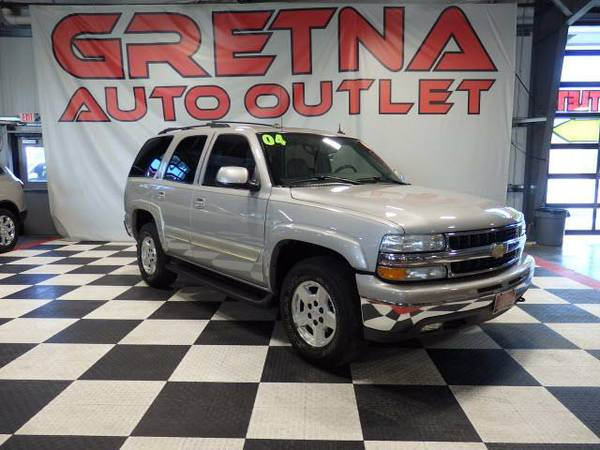 2004 Chevrolet Tahoe LT 4X4 HEATED LEATHER ROOF REAR DVD 3RD ROW