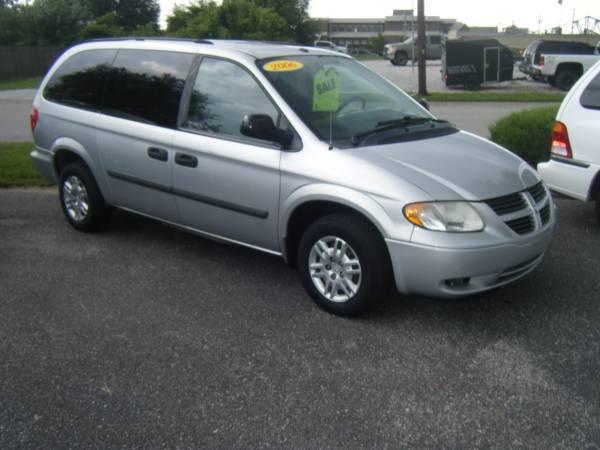 2006 Dodge Grand Caravan (7 seats)