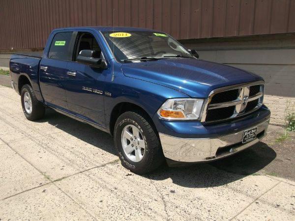 2011 *RAM* *1500* Laramie Crew Cab 4WD -🚗 🏃