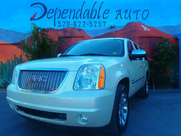 2010 GMC YUKON- FAMILY CAR- ROAD TRIPS- $500 DOWN O.A.C- STOP BY TODAY