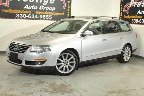 2008 Volkswagen Passat Wagon-AWD, Navigation, Sunroof, Free Warranty!