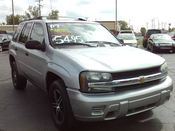2007 CHEVROLET TRAILBLAZER 4X4 - MOON ROOF - WARRANTY {SUV SALE} -