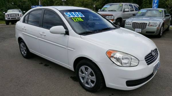 2008 *Hyundai Accent* **Gorgeous Sedan** Gas Saver * LOW MILES *