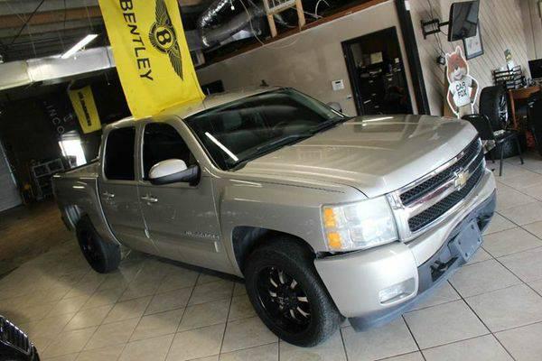 2008 *Chevrolet* *Silverado* *1500* LTZ 4WD 4dr Crew Cab 5.8 ft. SB