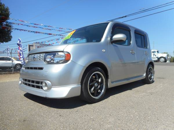 2OO9 NISSAN CUBE WITH ONLY 102,000 MILES