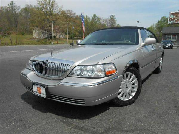 2005 *LINCOLN* *TOWN* *CAR* Signature ~ We FINANCE BAD CREDIT = $1500