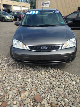 2006 Ford Focus SES Loaded 61,000 miles 6 Month Warranty.