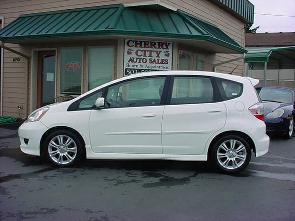 2009 HONDA FIT! ONLY 69K MILES!
