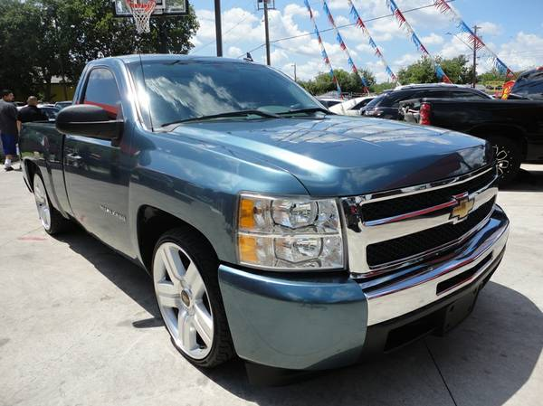 **CAMMED OUT**CUSTOM WHEELS**2010 CHEVY SILVERADO LS V-8**SINGLE CAB**