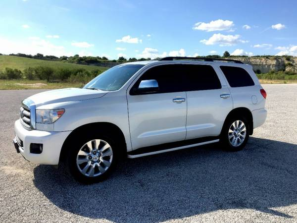 2010 TOYOTA SEQUOIA PLATINUM LOADED..EASY FINANCE
