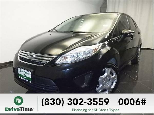 Beautiful 2013 *Ford Fiesta* SE (BLACK) - Clean Title