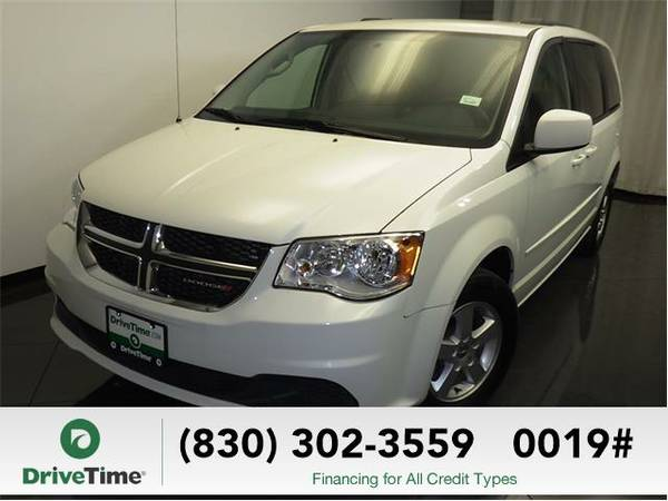 Beautiful 2013 *Dodge Grand Caravan* SXT (WHITE) - Clean Title